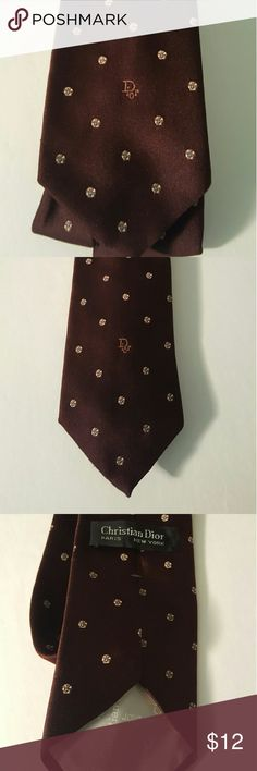 Vintage Christian Dior Mens Tie This classic Tie will be a great Balance of history and style to your closet Christian Dior Accessories Ties