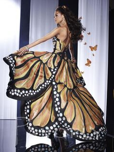 We know you love Panoply dresses as much as we do. Find your dream prom dress today at Peaches Boutique in Chicago Butterfly Costume, Butterfly Dress, Monarch Butterfly, Butterfly Pattern, Hi Low Dresses, Prom Dresses, Pleated Dresses, Skirt Pleated, Dress Prom