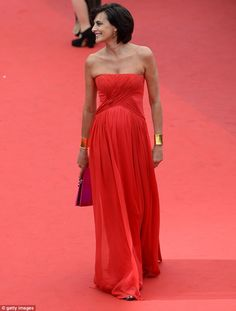 Inès de La Fressange had looked further back into fashion history for her elegant look
