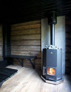 Печи для бани на дровах с баком: 60+ максимально функциональных и продуманных реализаций http://happymodern.ru/pechi-dlya-bani-na-drovax-s-bakom/ Баня с металлической дровяной печью с дымоходом