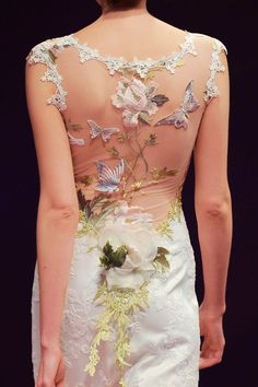 Claire Pettibone - Couture Bridal l Wedding Dresses, Bridal Gowns, Fashion Designer, Veils, Accessories look at the back of that dress. Claire Pettibone, Bridal Gowns, Wedding Gowns, Robes Glamour, Beautiful Gowns, Beautiful Clothes, Dream Dress, Fashion Details, Designer Dresses