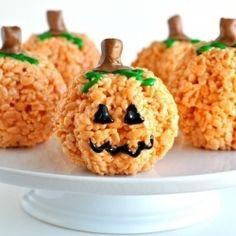 Easy Pumpkin and Jack-o-Lantern Rice Krispies Treats for Halloween deserts foodstuff-i-love amazing-food