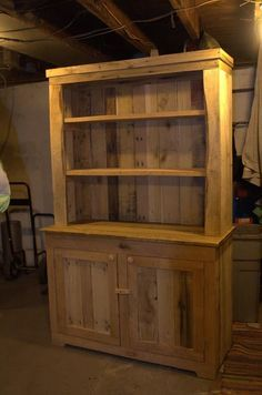 handmade-pallet-kitchen-hutch.jpg (600×906)