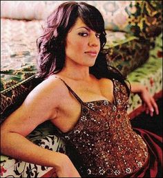 Sara Ramirez (the only reason I still watch Grey's Anatomy) Torres Grey's Anatomy, Pretty People, Beautiful People, Callie Torres, Non Blondes, Still Love Her, Latin Women, Haircuts With Bangs, Confident Woman