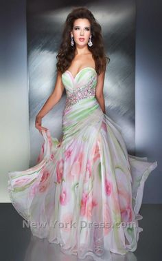 Shop Mac Duggal prom dresses at PromGirl. Elegant pageant gowns, long designer formal dresses, and special occasion Mac Duggal dresses. Stunning Dresses, Beautiful Gowns, Elegant Dresses, Pretty Dresses, Beautiful Outfits, Gorgeous Dress, Floral Print Gowns, Printed Gowns, Floral Prints