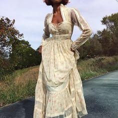 Absolutely stunning vintage Gunne Sax by Jessica full length prairie dress.