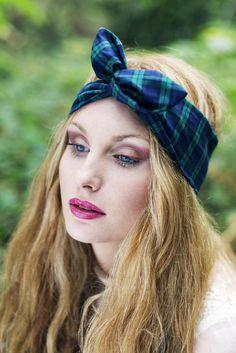 Quelle couleur de foulard cheveux pour une blonde choisir si on a les cheveux blonds clairs ou blonds foncés, les meilleurs conseils pour choisir foulard.