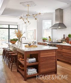 Mastering The Mix: A Modern-Meets-Vintage Kitchen | Design: Samantha Sacks Photo: Donna Griffith