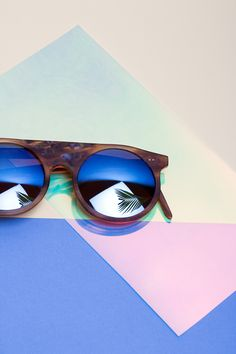 """""""Lun's"""" #glasses #acetat at #Stylepark /  http://www.stylepark.com/en/news/great-fake-tortoiseshell/352604"""