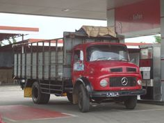 Show your truck! Bambang Legoyo sent us this picture of a great Mercedes-Benz L911