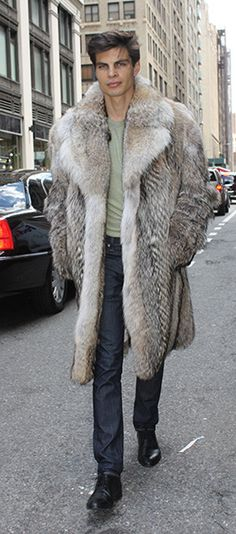 Shop for Fur Jackets for men and Fur coats for men. Genuine chinchilla coats, fur coat with hood, mink coats,mink jacket, mink bomber jackets for men & Mode Masculine Fashion, Coyote Fur Coat, Black Fur Coat, Chinchilla Coat, Mink Jacket, Fur Fashion, Fashion Trends, Fashion Tips, Trendy Mens Fashion