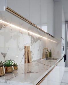 Luxury Kitchen Design, Kitchen Room Design, Home Room Design, Kitchen Cabinet Design, Home Decor Kitchen, Interior Design Kitchen, House Design, Interior Lighting Design, Luxury Kitchens