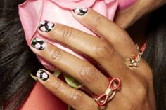6 Super-Cute Spring Manis To Rock Now