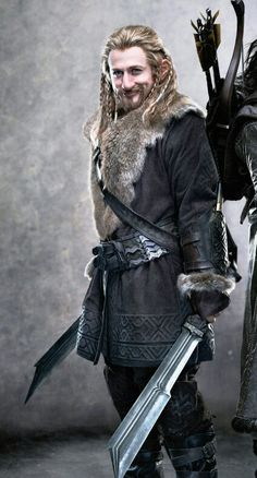 Dean O'Gorman as Fili the Dwarf in The Hobbit movies from Peter Jackson The Hobbit Movies, O Hobbit, Lotr Movies, Hobbit Films, Fili Und Kili, Dwarf Costume, Dean O'gorman, Cool Swords, Jackson