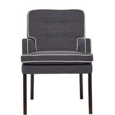Sie gönnen sich mehr Komfort am Esstisch und tauschen den traditionellen Stuhl gegen den Polo Club-Sessel. Dieses leicht sportive Möbel mit hellem Keder und modernen Komponenten interpretiert den klassischen Look neu - und passt damit auch ideal zu Ihrer kreativen, unkonventionellen Küche. Passende Bank erhältlich. Sie wünschen noch eine kleine Entscheidungshilfe