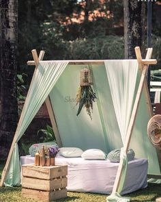 21 Canopy Seating Decor Ideas for Whimsical Wedding Vibes