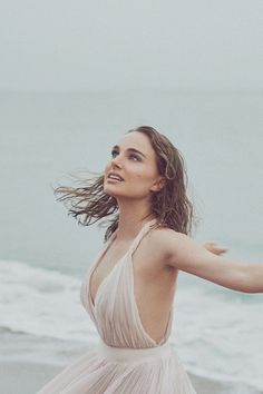 Natalie Portman Miss Dior Campaign 2017 Natalie Portman Style, Miss Dior, Nathalie Portman, Maria Grazia, Actrices Hollywood, Shooting Photo, Celebs, Celebrities, Girl Crushes