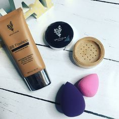 Want to know how to get flawless skin but also keep it hydrated in this cold weather? ❄️  These are my secret weapon   The BB cream is so hydrating and moisturising for your skin, but to get extra coverage I mix it with our powder concealer that is natural and mineral based. Ta da, flawless, nourished skin   www.diamondbeautyboutique.com