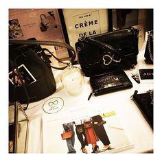 Superbe soirée hier à Bruxelles! ✨ Merci à Stéphanie & Muriel @frenchconnect de participer à promouvoir l'entreprenariat féminin & de faciliter ces superbes rencontres! (PS: nous avons remporté le 3e prix des talents irrésistibles!) #maisongaja #aboutlastnight #bag #bags #frenchtouch #vegan #lajoiesepartage #joinus #dreamteam #sharethelove #womenentrepreneur #pinkpower