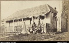 Man with three children in front garden of rendered slab house with shingle roof and picketed veranda, Hill End, New South Wales, [. Australian Country Houses, Australian Bush, Melbourne Suburbs, Gold Miners, Georgian House, New South, Historical Images, Victoria Australia, Heartland