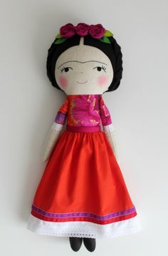 ♥ This doll is a tribute to the talented painter Frida Kahlo. She was a Mexican self-portrait artist who was married to Diego Rivera and is still today admired as a feminist icon. ♥  The Frida Kahlo doll makes a great gift and is perfect to decorate a home, workplace or studio. This art doll is more suitable for collectors but can also be given to older children for a gentle play. - Made with a cotton linen blend fabric cotton fabrics in vibrant colors, wool blend felt and stuffed with…