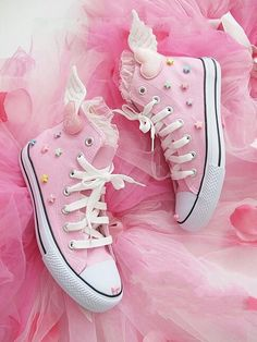 Pink diy fairy kei wings all star converse shoes pastel Kawaii stars Kawaii Shoes, Kawaii Clothes, Me Too Shoes, Women's Shoes, Pink Shoes, Pink Sneakers, Converse Sneakers, Fall Shoes, Winter Shoes