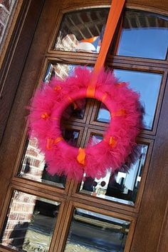 wreath made with tulle @moxiethrift on etsy Sutherland Love these colors