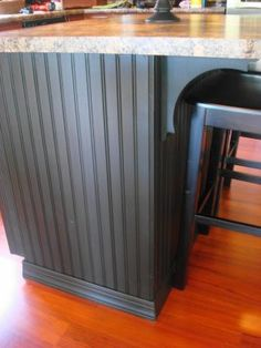 Decoration Kitchen - Thrifty Decor Chick: A beadboard kitchen island. Going to be doing this beadboa. Diy Kitchen Island, Kitchen Redo, New Kitchen, Kitchen Design, Kitchen Ideas, Kitchen Cabinets, Kitchen Wrap, Hickory Cabinets, Pine Cabinets