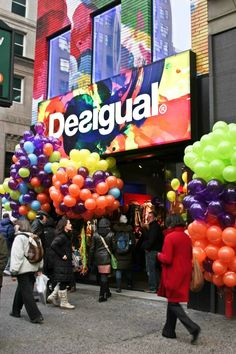 HAPPY HOUR Event at DESIGUAL - New York Midtown Jump and catch your price inside thousand of balloons hanging on the store with discount vouchers.
