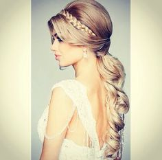 Bridal upstyle!! Elegant and not too dramatic!!