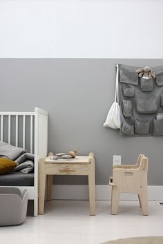 grey - white - wood - kids' room / chambre - enfant - gris - bois - blanc