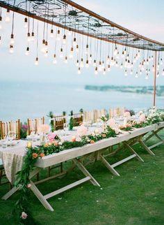 21 Stunning Examples of Wedding Lighting Decor That You Can DIY - I Like That Lamp #weddingdecoration