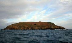 Faro de Illa Coelleira. Ría de O Barqueiro. (Lugo). Galicia. Spain