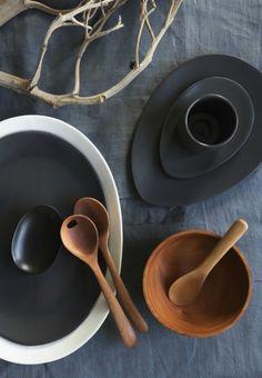 servies-zwart-hout