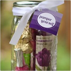 Get ready to treat your friends and family to some luxurious days with these Pamper Yourself Gifts in a Jar! These cute gifts are so fast and easy to make! Diy Christmas In A Jar, Homemade Christmas Gifts, Mason Jar Crafts, Mason Jars, Diy Gifts In A Jar, Spa Gifts, Dollar Tree, Diy Crafts, Creative