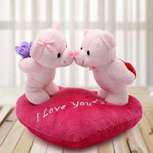Kissing Teds A Perfect Present For Your Lover This Valentine S Day Giftforeveryone Gifts Fiance Male