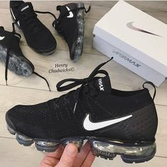 Shop Wmns Air VaporMax Flyknit 2 'Black White' - Nike on GOAT. We guarantee authenticity on every sneaker purchase or your money back. Cute Sneakers, Sneakers Nike, Black Shoes Sneakers, Nike Trainers, Jogging Nike, Zapatillas Jordan Retro, Nike Air Shoes, Nike Workout Shoes, Aesthetic Shoes