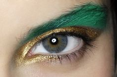 Make-up art design – photo Alot like my first choice of prom makeup. And it incorperates the cat liner. REMEMBER to choose falsies that flare out more to the side. Make Up Looks, Make Up Art, Eye Make Up, Concealer, Beauty Make Up, Hair Beauty, Dramatic Eyes, Costume Makeup, Trends