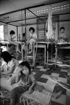 Những đứa trẻ trong trại giáo dưỡng dành cho gái mại dâm, TP HCM.1980