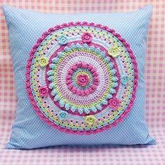 """1,458 curtidas, 3 comentários - @pembeorgu no Instagram: """"#knitting#knittersofinstagram#crochet#crocheting#örgü#örgümüseviyorum#kanavice#dikiş#yastık#blanket#bere#patik#örgüyelek#örgü#örgübattaniye#amigurumi#örgüoyuncak#vintage#çeyiz#dantel#pattern#motif#home#yastık#severekörüyoruz#örgüaşkı#pattern#motif#tığişi#çeyiz#evdekorasyonu"""""""