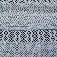 Tessuto jacquard azteco bianco/nero