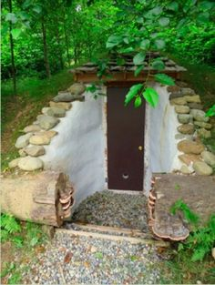 Building A Root Cellar With Earthbag Construction...http://homestead-and-survival.com/building-a-root-cellar-with-earthbag-construction/