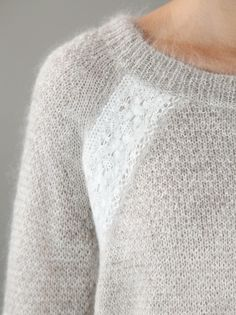 Nydelig detalj! VANESSA BRUNO - Lace applique sweater