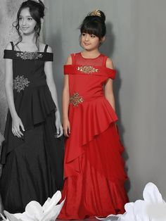 Party Wear Silk Red Gown for kids, flower girl gown, girls gowns, wedding gown for kids, indian fashion for girls Gowns For Girls, Frocks For Girls, Wedding Dresses For Girls, Party Wear Dresses, Party Gowns, Baby Girl Dresses, Baby Dress Design, Frock Design, Designer Gowns