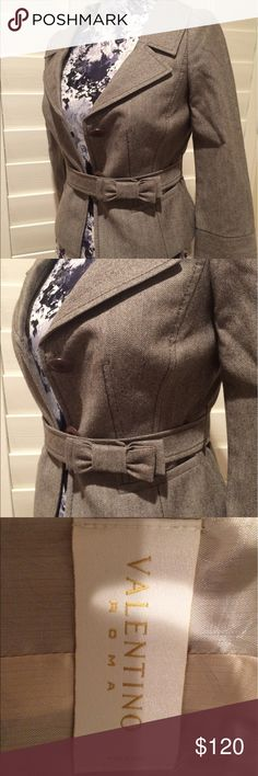 Final Markdown! Beautiful Valentino blazer tweed Gorgeous Valentino blazer. Light brown tweed. Bow detail. Wool. Bracelet length sleeves. This is a beautiful blazer that sadly no longer fits me. Marked as a 4 European but would fit Size 0-2. XS Valentino Jackets & Coats Blazers