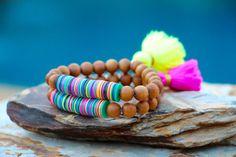 Boho vinilo africana granos w sándalo y borla moda Tribal