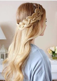 Four strand braids are gorgeous. They're one of my favorite braids because they look intricate and difficult (which they can be!) but I think they're definitely worth the struggle. I saw this technique done by a few years ago and felt like it was… Prom Hairstyles For Long Hair, Formal Hairstyles, Bride Hairstyles, Hairstyle Ideas, Easy Hairstyle, Summer Hairstyles, Braid Styles, Short Hair Styles, Four Strand Braids