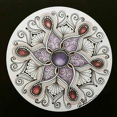 Zentangle Drawings, Doodles Zentangles, Zentangle Patterns, Gem Drawing, Painting & Drawing, Zantangle Art, Zen Art, Mandala Doodle, Mandala Drawing