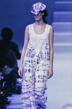 Issey Miyake Spring 1995 Ready-to-Wear Fashion Show