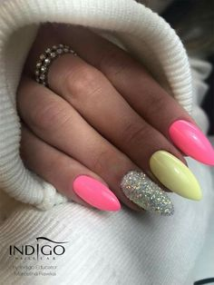 Discover new and inspirational nail art for your short nail designs. Aycrlic Nails, Glam Nails, Neon Nails, Yellow Nails, Nail Manicure, Pink Nails, Cute Nails, Pretty Nails, Hair And Nails